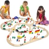 Holzeisenbahn für Kinder mit 130 Teilen | Spielzeugeisenbahn mit über 5 Meter Schienenlänge und Zubehör für eine ganze Stadt | Holzeisenbahn-Set für Mädchen und Jungen geeignet -