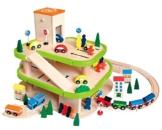 Auto Garage / Parkhaus - mit 3 Ebenen aus Holz - incl. Auto + Figuren - Autos - Holzeisenbahn / Eisenbahn - passend mit Schienensystem - paßt zu allen gängigen Schienen - Holzgarage Eisenbahnschienen / Schienen Autogarage - Parkgarage -